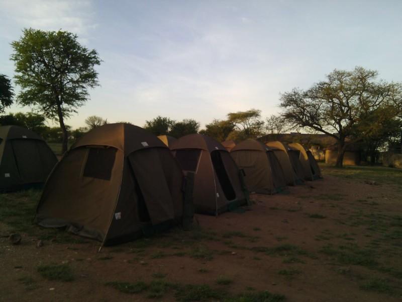 ^camping^pimgpsh_fullsize_distr