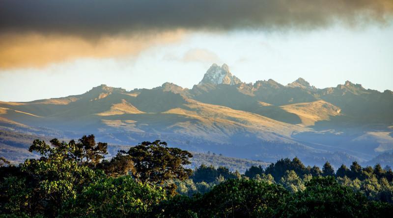 Mount_Kenya_Background