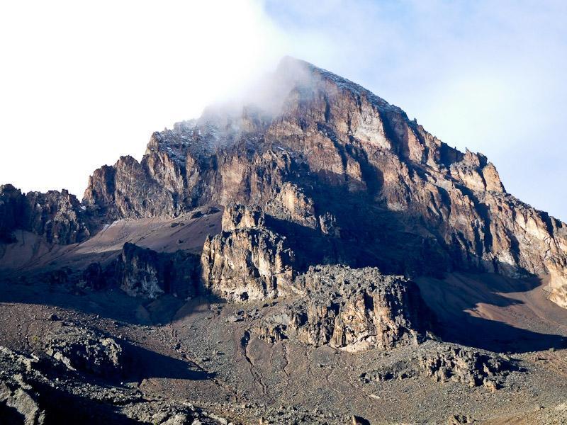 kilimanjaro peak clouds