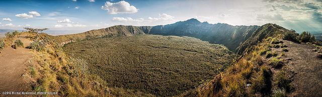 mount longonot hiking kenya