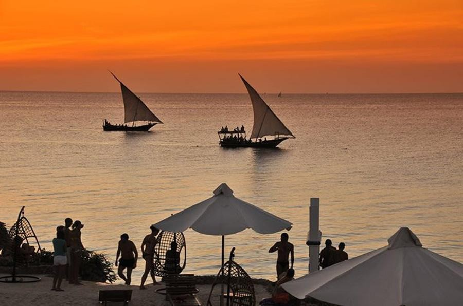 Zanzibar Safari blue – by boat
