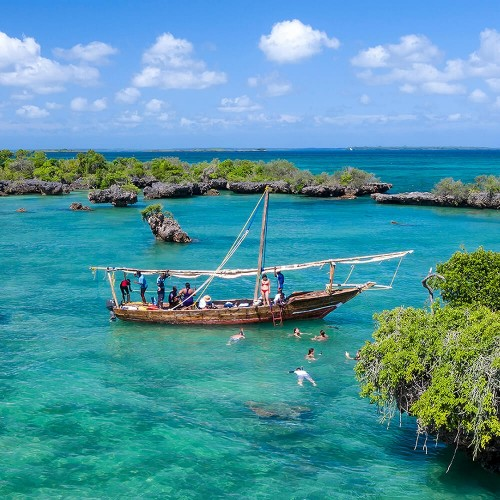 Zanzibar Safari blue – by boat