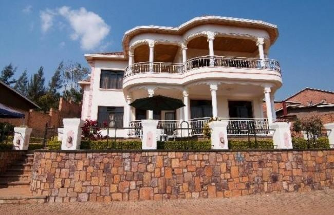Step Town Hotel -safari to africa accommodation
