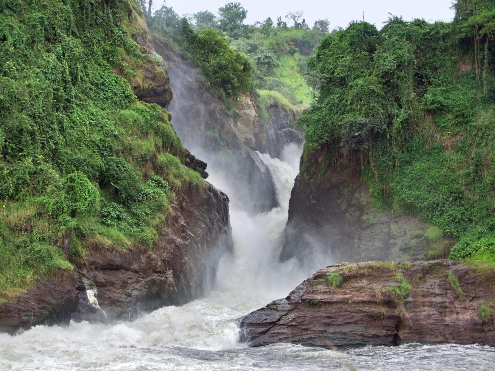 водопады Уганда