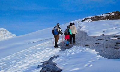 climbing uhuru peak kilimanjaro