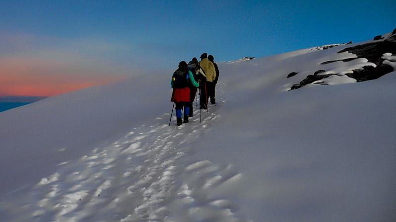 climbing uhuru peak kilimanjaro 2