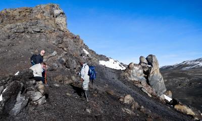 descent kilimanjaro rocky