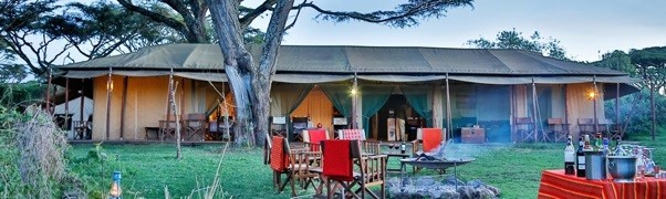 Sundowners under the Lahai – Ngorongoro crater east side at Lemala camp