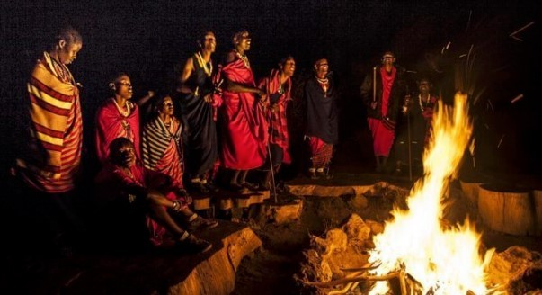 Stories and dancing with the Maasai – an evening option at Amini Africa Life